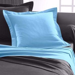 Jednofarebná posteľná bielizeň, flanel z modrá obliečka na vank. 40x40cm vyobraziť